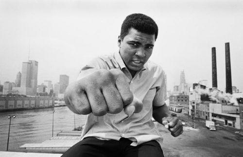 یاد داشته باش مردی که تنها یک راند دیگر مبارزه می کند هرگز شکست نخواهد خورد.
